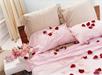 Rosenblade i værelse/sengen